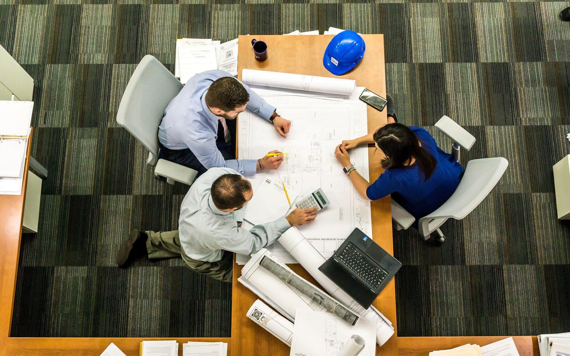企業のメンタルヘルス対策は必要?任意労災による従業員の心のケアの重要性