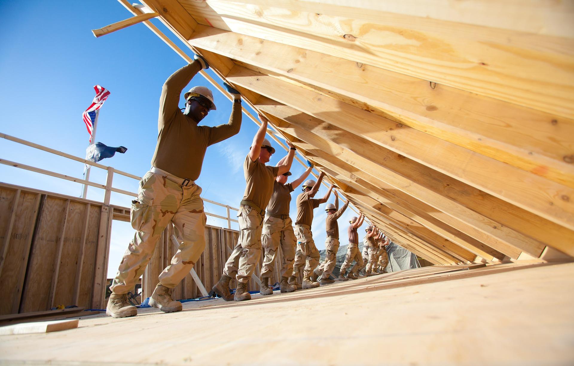 労災保険だけでは足りない従業員への補償について考える
